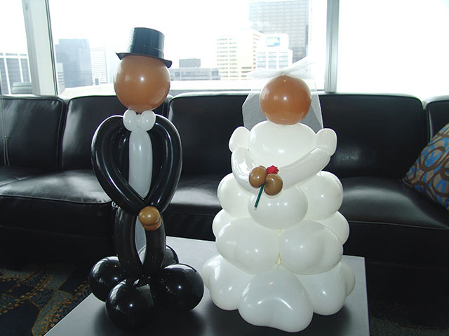 wedding balloon centerpeices bride groom