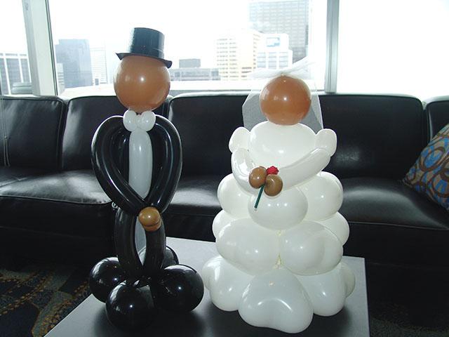 wedding balloon centerpeices bride groom