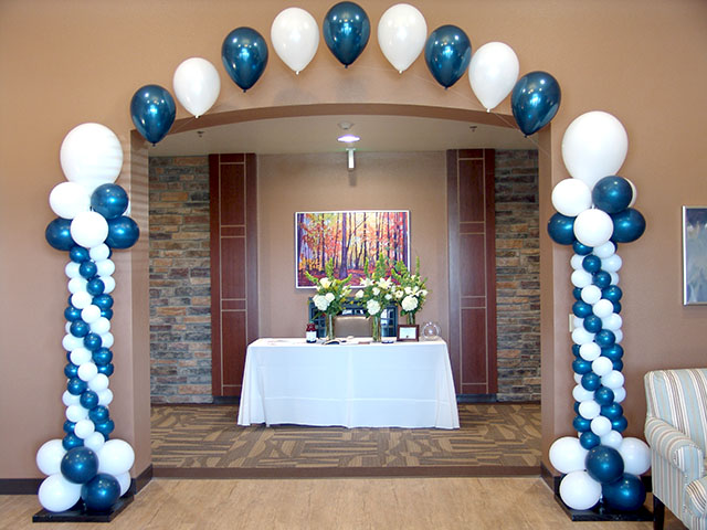 Graduation party denver balloons denver for Balloon decoration ideas for graduation