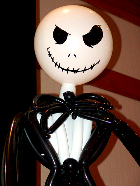 jack skelington balloon sculpture
