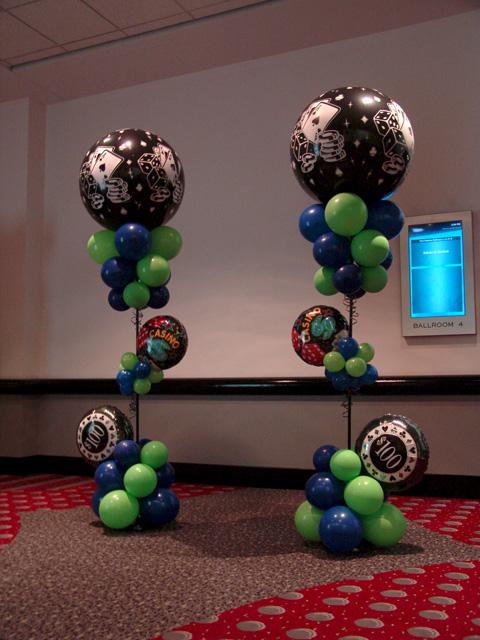 super lucky card playing balloon columns